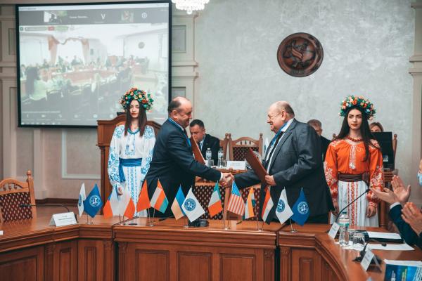 Західноукраїнський національний університет підписав договір про співробітництво з Національною академією наук України!