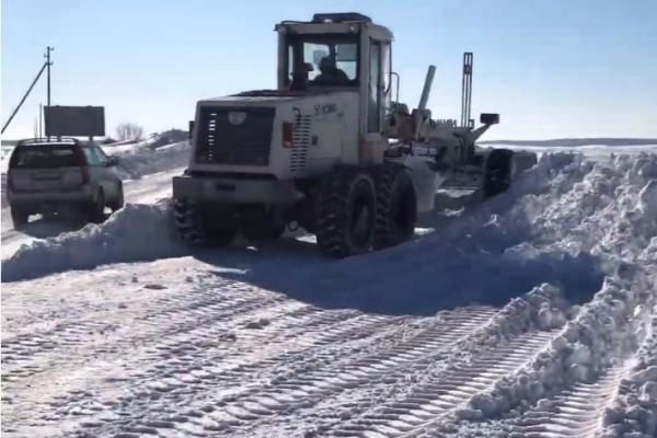 Тернопільські дорожники розповіли, скільки використовують суміші для посипання доріг взимку