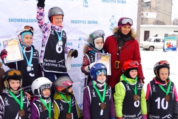 У Тернополі змагалися за перемогу у Чемпіонаті міста зі сноубордингу