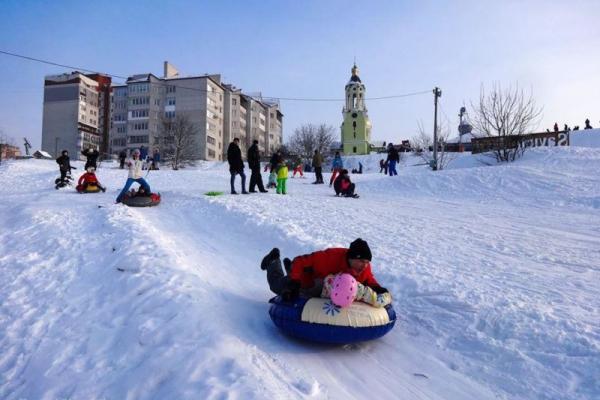 Тернополяни можуть безкоштовно покататися на сноутюбах у «Савич Парку»