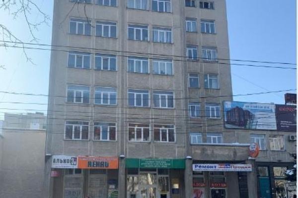 Підприємець незаконно використовував приміщення у центрі Тернополя