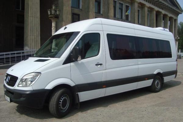 Під час купівлі мікроавтобуса житель Тернопільщини став жертвою шахрайства