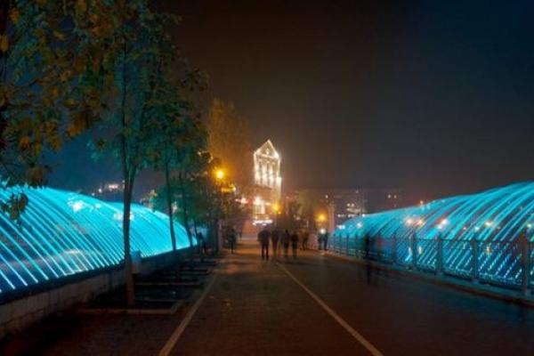У Тернополі не можуть запустити фонтан: Злодії два місяці крадуть елементи живлення водограю