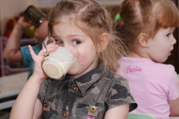 У школах Тернопільщини виявили неякісні продукти