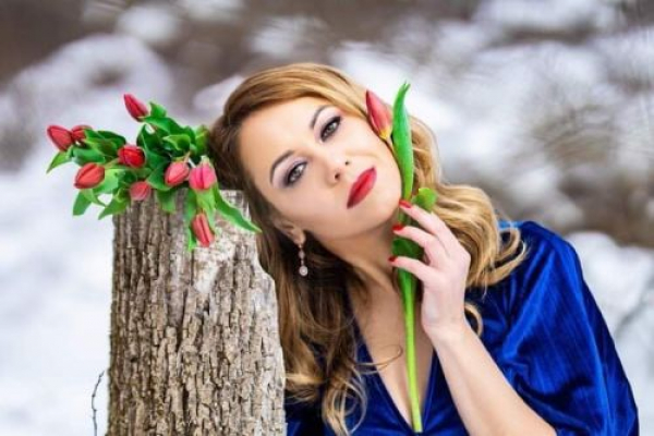 Жителька Тернопільщини у п'ятірці найрозумніших і найкрасивіших українок Америки