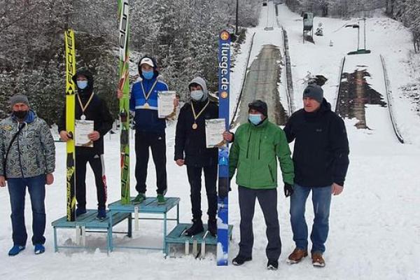 На Тернопільщині відбулися чемпіонати України зі стрибків на лижах та лижного двоборства