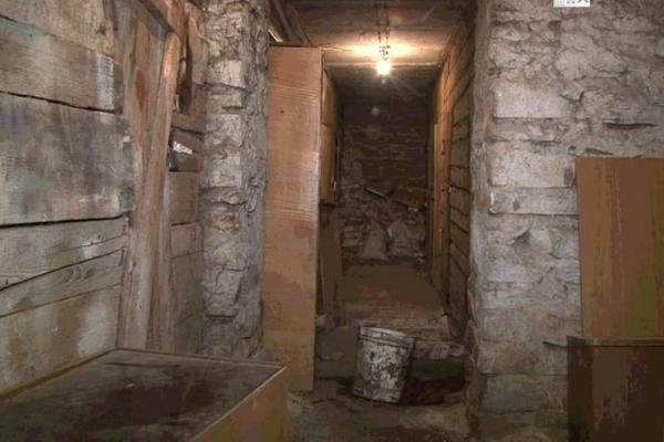 У тернопільському будинку три роки протікає труба