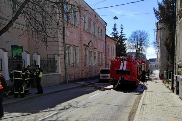 У центрі Тернополя виникла пожежа