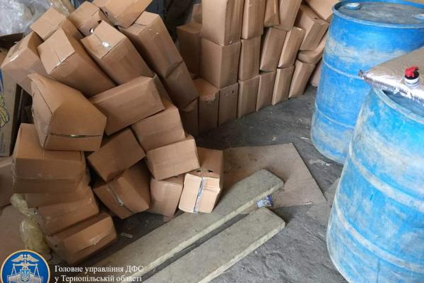 Відправляли алкоголь через «Нову пошту»: у Тернополі викрили нелегальний бізнес