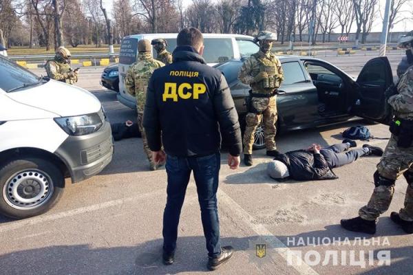 Тернопільські оперативники спіймали банду боксерів, які грабували валютників (Фото)
