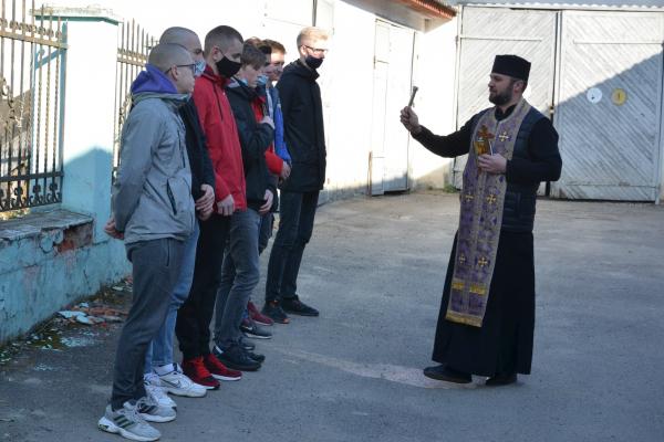 На Тернопільщині відправили перших призовників на строкову військову службу