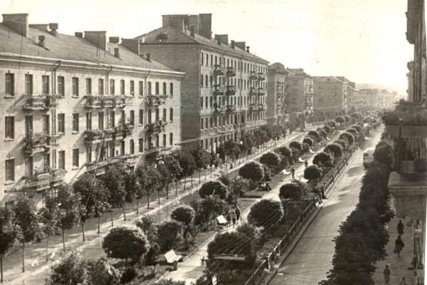 Вулицю Руську у Тернополі на фото минулого століття опублікували в соцмережі