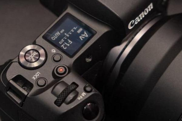Маркування фотоапаратів Canon: про що розповість назва?