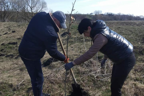 «Озеленення планети»: жителі Тернопільщині приєдналися до акції