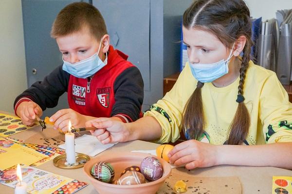 На Тернопільщині триває «Школа писанкарства 2021»