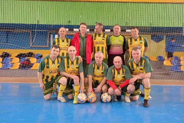 Пивоварня «Опілля» посприяла у поїздці ветеранів футболу на Чемпіонат України
