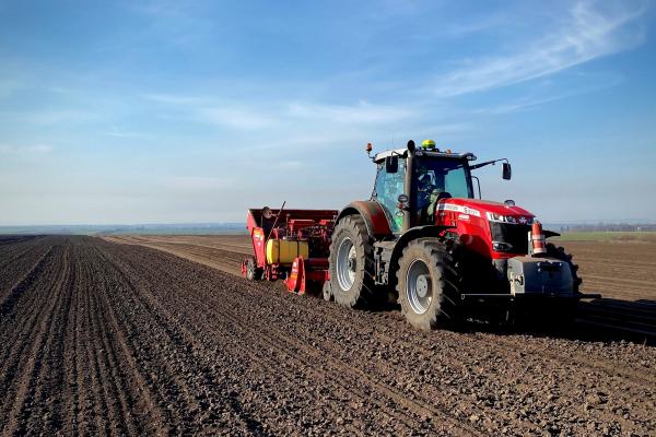 У «Контінентал Фармерз Груп» триває посадка картоплі
