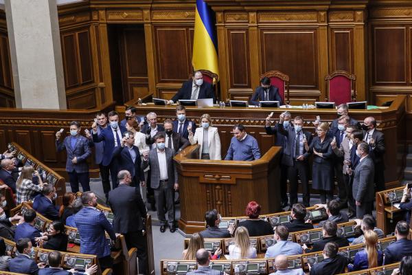 «Батьківщина» Тимошенко - єдина фракція, яка не дала жодного голосу за розпродаж землі іноземцям
