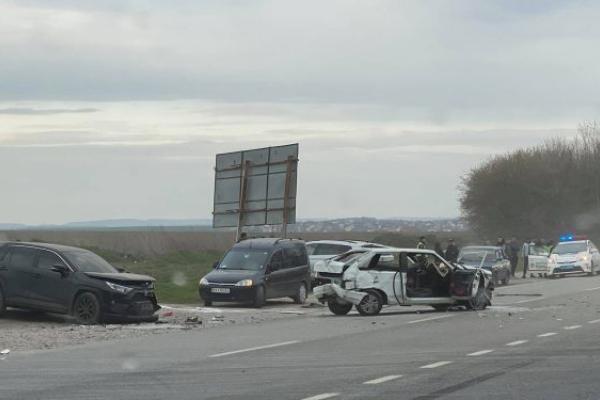 ДТП: поблизу Тернополя не розминулися чотири автомобілі