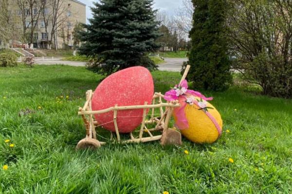 На Тернопільщині до Великодня облаштували кілька святкових фотозон (Фото)