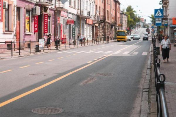 Відновити дорожній знак «Проїзд заборонено» біля «Універмагу» просять тернополяни