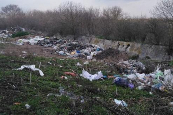 Зборівщина та Кременеччина потопає у смітті