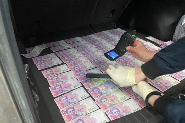 Чергового чиновника Тернопільщини спіймали на хабарі