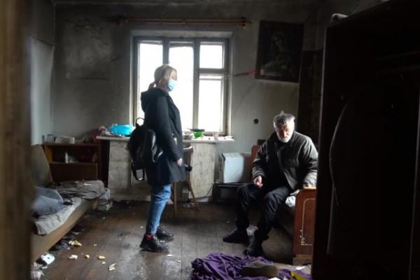 На Тернопільщині літню жінку роздерли у власній оселі її ж собаки