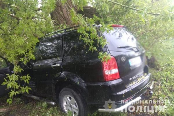 На Тернопільщині ДТП: водія госпіталізували