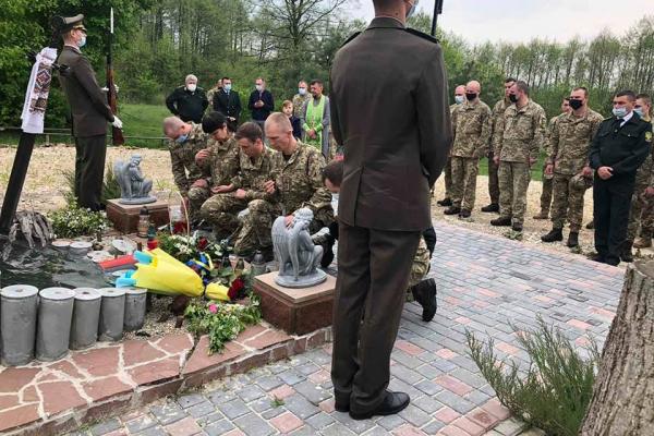 На Тернопільщині встановили меморіальні дошки загиблим захисникам