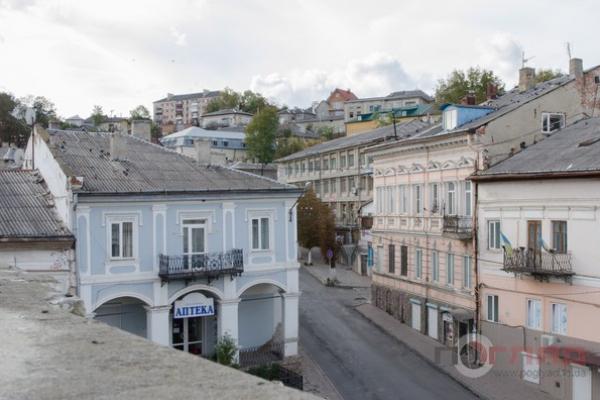 У Тернопільській області вулицями міста пливуть «ріки» з нечистот (Відео)