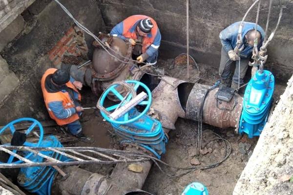 У Тернополі працівники водоканалу працюють у посиленому режимі