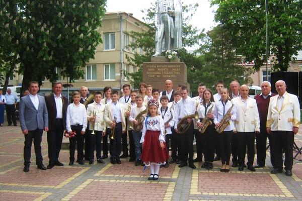 Як в Теребовлі, що на Тернопільщині, вшанували День Героїв