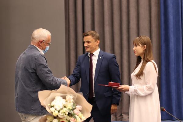 Грамоти Верховної Ради України вручали на сесії Тернопільської обласної ради