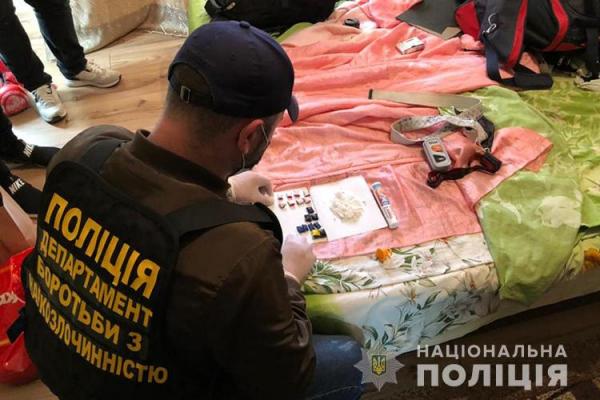 У Тернополі затримали «бізнесменів», які продавали наркотики