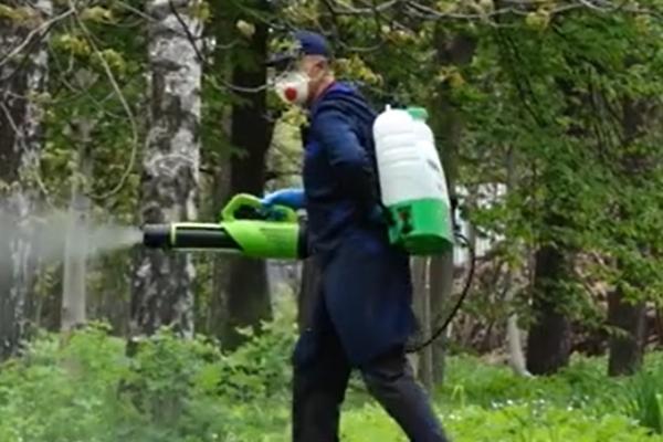 У парках Тернополя повторно проводитимуть заходи зі знищення кліщів