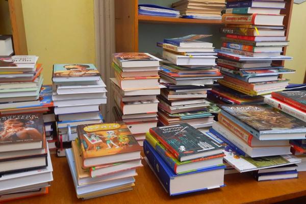 300 нових книг отримала Шумська бібліотека
