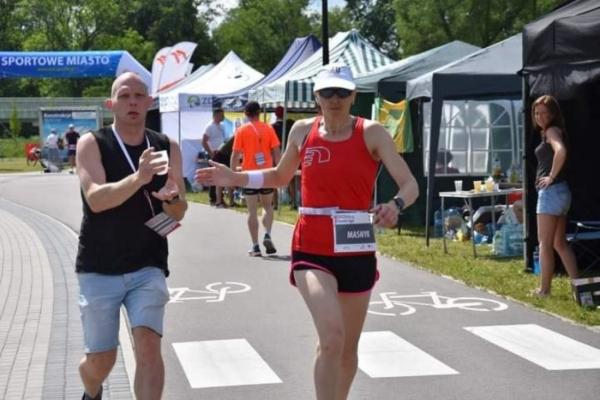 Тернопільська спортсменка бігла впродовж доби і встановила рекорд України (Відео)