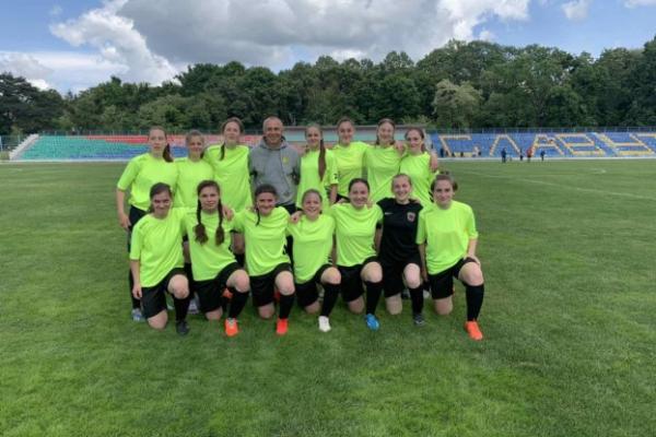 Дівоча збірна Тернопільщини з футболу з першого місця вийшла у плей-оф чемпіонату України