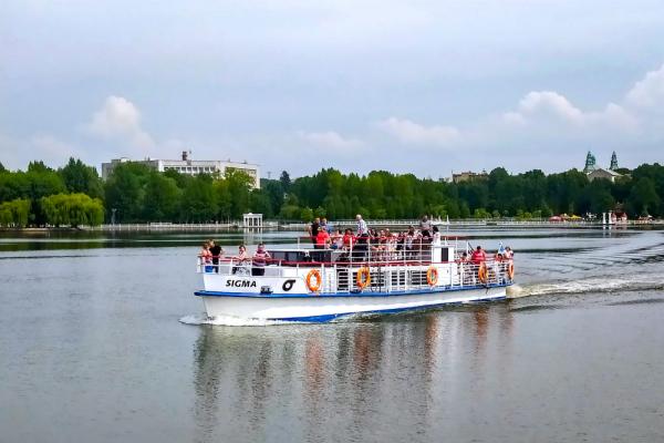 Теплоходи на Тернопільському ставі: маршрути та вартість квитка