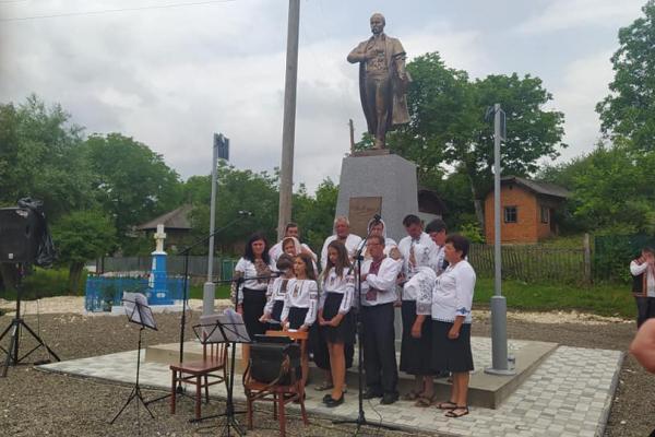 На Тернопільщині відкрили ще один пам'ятник Тарасу Шевченку