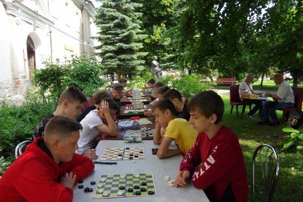 У Бережанах до Дня міста провели турнір із шашок
