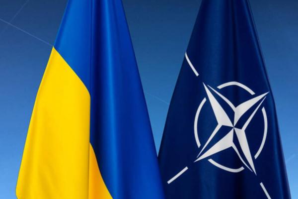 Перспективи України в НАТО: «Гідні бути не за лаштунками, а за одним столом»