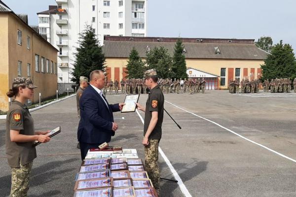 У Тернополі відзначили військових 44 окремої артилерійської бригади