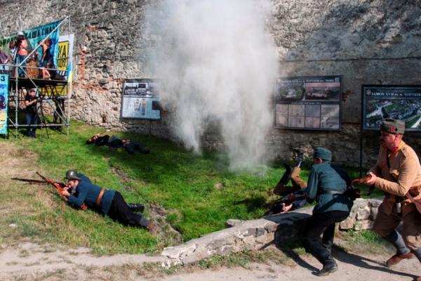 Під стінами Чортківського замку строчили кулемети і гриміли гармати