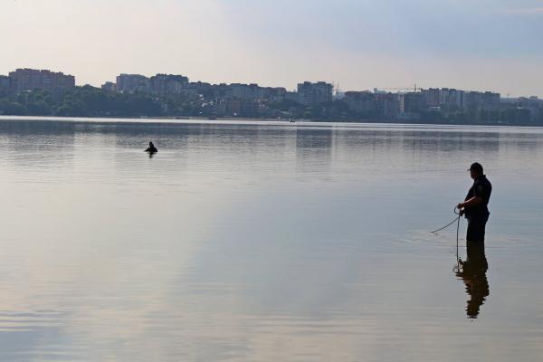 У Тернополі втопився 19-річний хлопець: водолази знайшли тіло