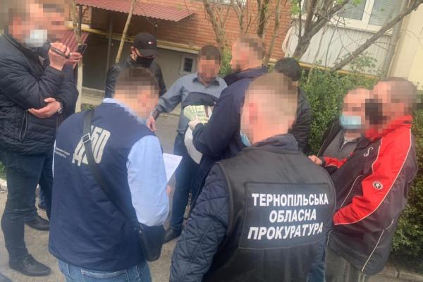 Отримав хабар: на Тернопільщині судитимуть начальника відділу Держпродспоживслужби