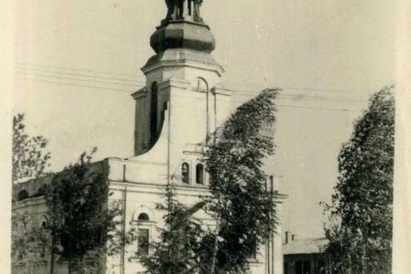 Церква Покрови в Білокриниці на ретро фото