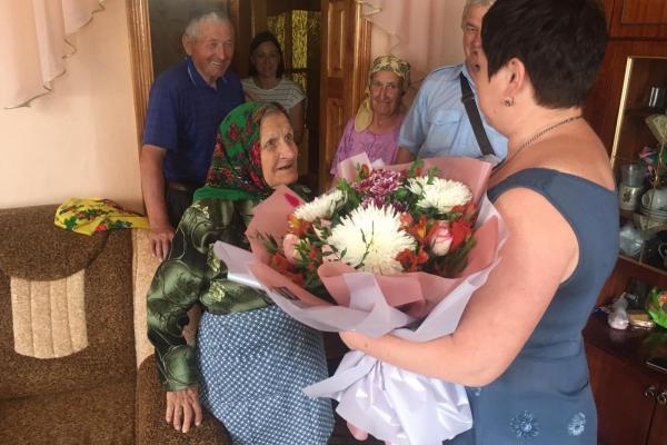 Довгожительку з Тернопільщини привітали з ювілеєм