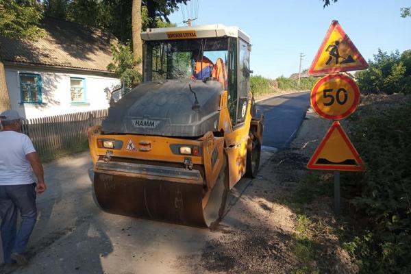 У Чайчинцях неподалік Ланівців зремонтували дорогу